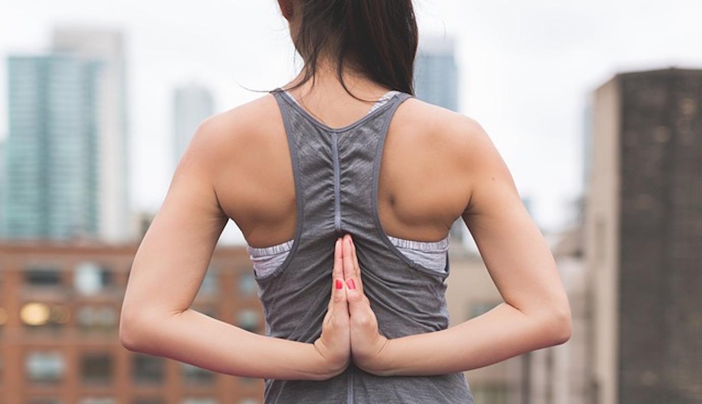 肩甲骨を柔らかくして強くて元気な体を作る3つのコツ | ゴルファボ
