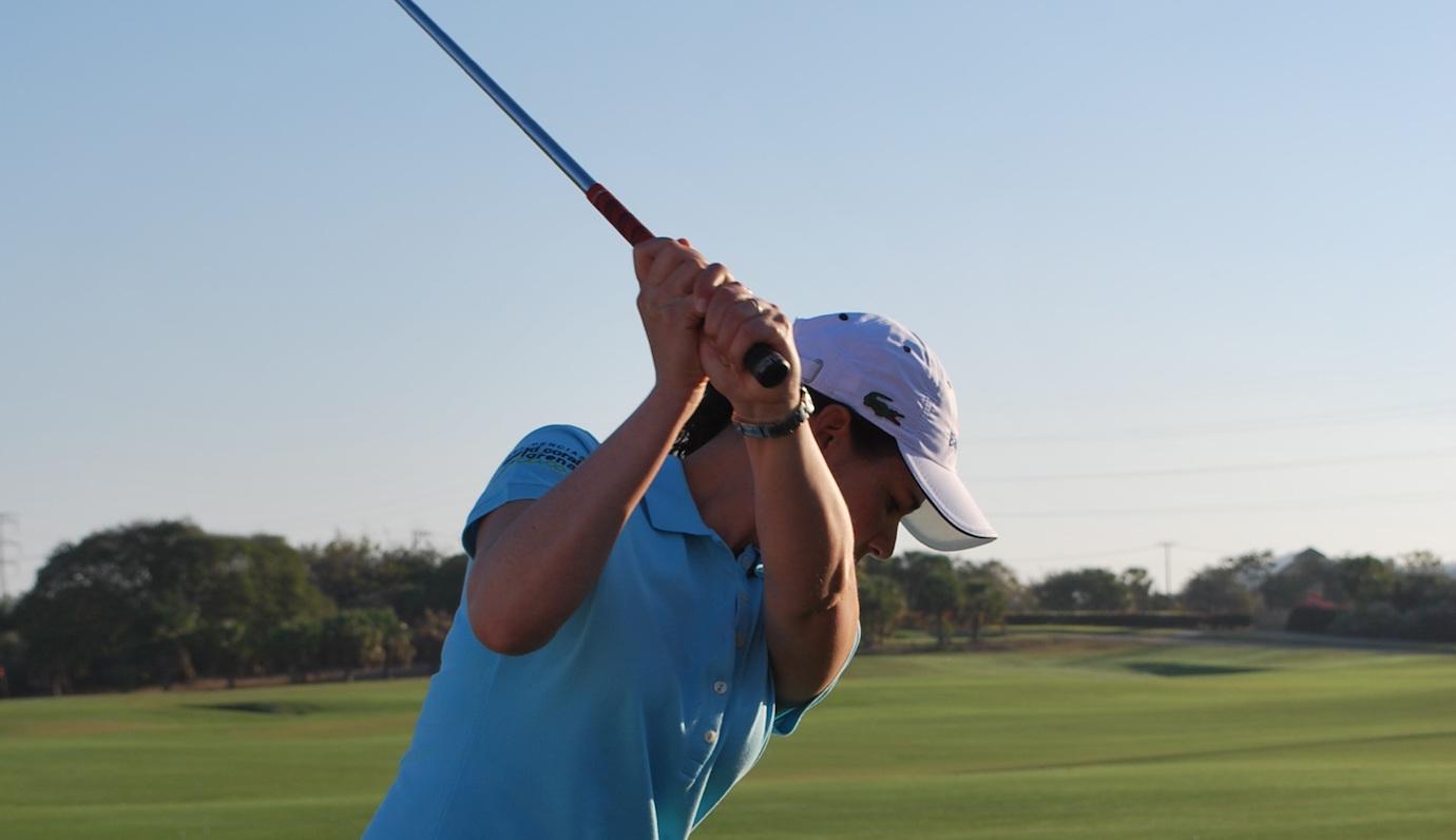 スイング 切り返し ゴルフ