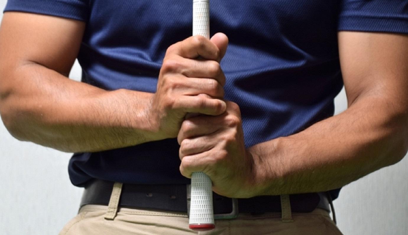 グリップ 右手 親指 ゴルフ