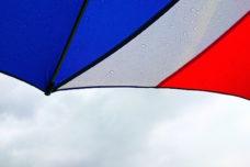 雨の日ゴルフでスコアを落とさない7つのポイントと実践法