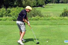 ゴルフ前傾角度を維持するための3つのコツと注意点