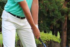 ゴルフで速く振るための右手の正しい使い方とは?
